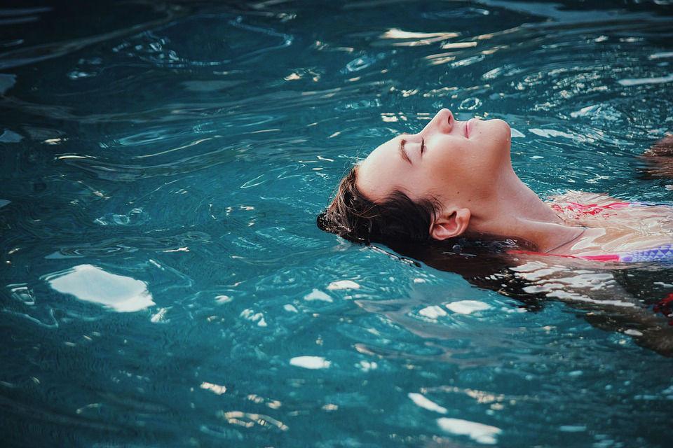 3 avantages de la piscine coque